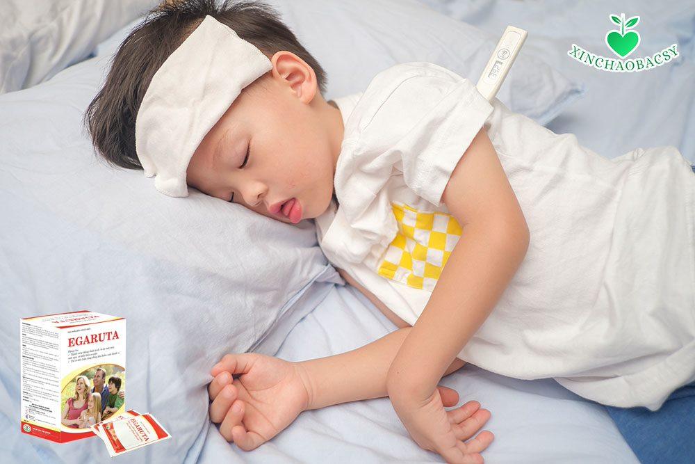 Vai trò của cốm Egaruta trong điều trị sốt cao co giật ở trẻ